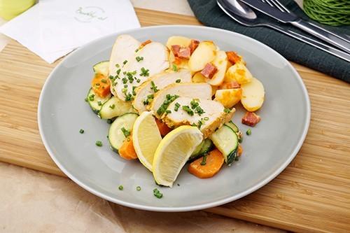 Zitronen-Thymian Huhn mit Gemüse & Chorizoerdäpfeln
