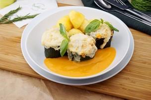 Überbackene Zucchini mit Paprikarahmsauce & Salzerdäpfel