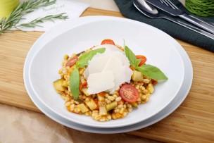 Zucchini-Paprikaragout mit Zartweizen & Parmesan