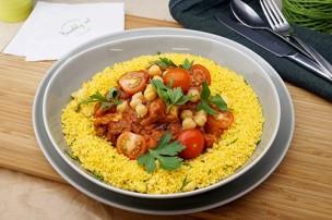 Marokkanische Hühnertajine mit Dörrpflaumen & CousCous