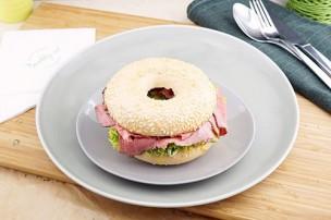 Bagel Roastbeef & Gurken Relish