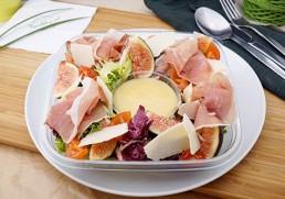 Blattsalat mit Feigen & Prosciutto