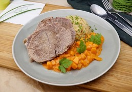 Gekochtes Rindfleisch mit Kürbisgemüse & Erdäpfelschmarrn