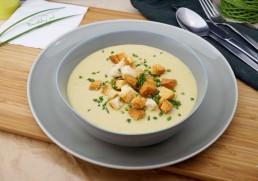 Brokkolicremesuppe mit Croutôns