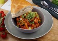 Chorizo Bohnen Pfanne mit Fladenbrot