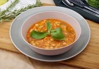 Italienische Bohnensuppe mit Basilikum