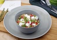 Mezze Quinoasalat mit roten Rüben, Granatapfel & Feta