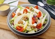 Blattsalat mit Birnen und Gorgonzola