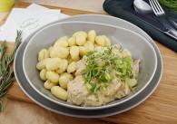 Putenrahm-Geschnetzeltes mit Champignons & Gnocchi